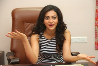 Rakul Preet is very popular actress in tollywood now she has bagged big projects with RAM CHARAN,ALLU ARJUN,NTR,RAM