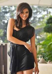 Disha Patani for kanche movie