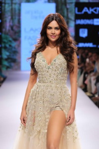 Model lakme fashion week arpita mehta