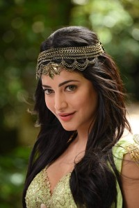 ShrutiHaasan hot stills from Puli‬