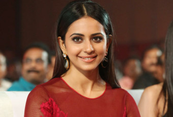 Rakul preet Singh At Bruce Lee Audio Launch|jilgul.com