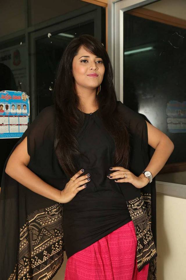 Anasuya Latest Stills At Kumari 21F Platinum Disc|jilgul.com