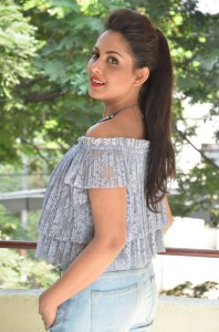MadhuShalini Latest Photos|jilgul.com