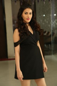 Amyra Dastur Latest Photos|jilgul.com